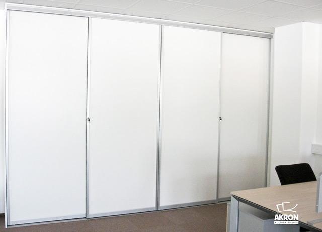 Vgradna omara v pisarni